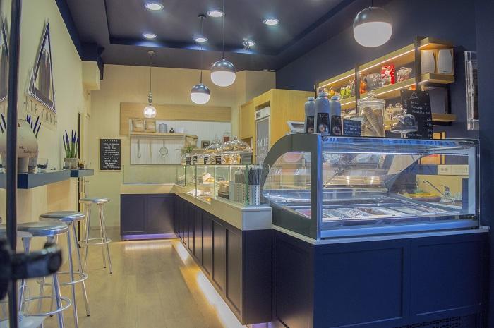 Ζαχαροπλαστείο-Καφέ Τρίγωνο, Ηράκλειο Κρήτης